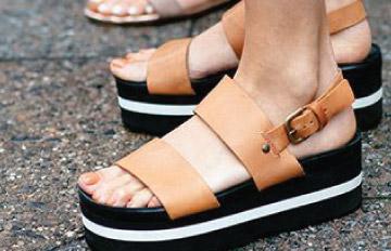 只有一雙腳好煩惱 今夏6趨勢涼鞋都想要