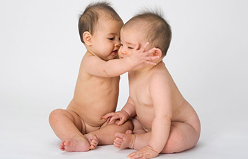 誤以為還在媽媽肚子裡 不知道已出生的小baby