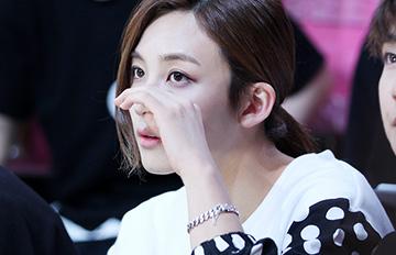 韓團出道1個月新人 美貌讓所有人都驚掉下巴
