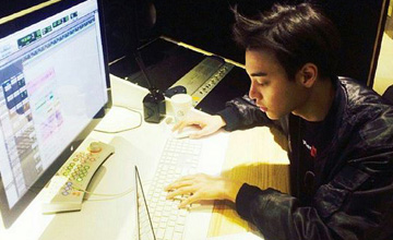 YG也看外表了嗎?簽進花美男饒舌歌手One