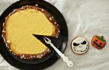不用烤箱就能完成的 超容易萬聖節蛋糕!