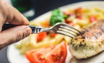 晚上九點後吃東西會變胖?減肥者一定會被騙的傳說