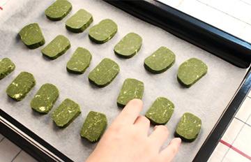 酥到要命!綠茶控一看就發狂的綠茶餅乾做法