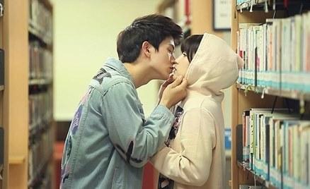男生喜歡、女生想到就心跳加速!10個最佳KISS時刻 ♥
