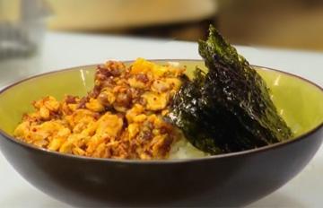 早上再也不用餓肚子了 只要5分鐘就能完成的韓式雞蛋蓋飯