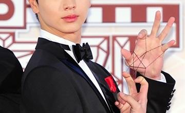 韓國網友選出《歌謠大慶典》紅毯最大焦點,只能說不愧是...