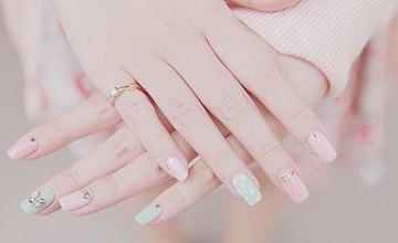 今天你塗了嗎?那些年我們追過的粉紅色指甲油