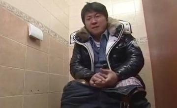 上廁所遇到沒衛生紙,可能會出現的6種解決方案
