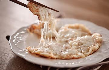 起司融化的瞬間好療癒啊!只要7步就能完成韓國人超愛的飯後點心-起司馬鈴薯餅