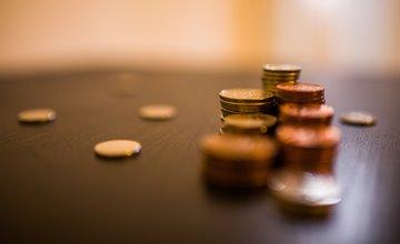 平行世界?去年平均月薪竟破48K創新高!