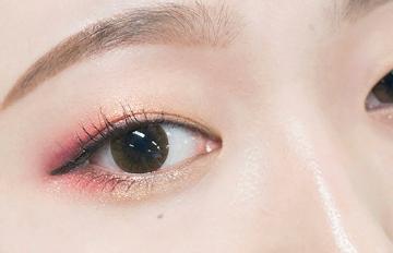 浪漫迷濛♥ 內雙女孩值得一試的粉色兔眼妝