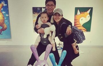 現實生活也在演韓劇♥那些閃瞎粉絲的韓國銀色夫妻檔