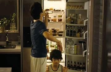 「你居然把吃剩的巧克力放冰箱?!」決不能放冷藏的8種食物☟