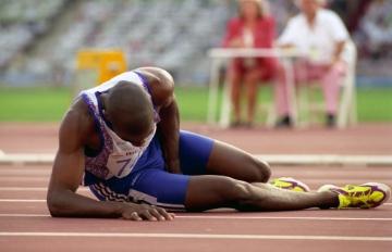 比賽時慘跌變最後一名!但那年奧運大家都記得他