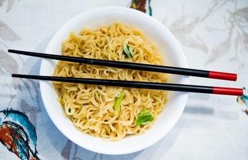跟臺灣不一樣!日本拿筷子的禁忌你犯了嗎?