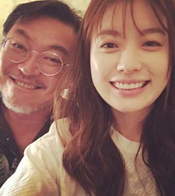 《W》妍珠爸因劇情向觀眾表態道歉?高EQ和親民形象讓SNS湧入大量留言!