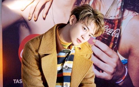 不得不抽菸的理由讓粉絲超心痛!不只BIGBANG成員 連SHINee形象陽光的他也被爆「抽很大」