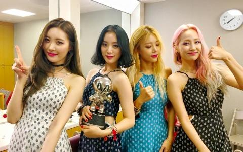 曾被喻為少女時代最強對手!JYP傳奇女團震驚粉絲宣佈解散 解散內幕令人心酸...