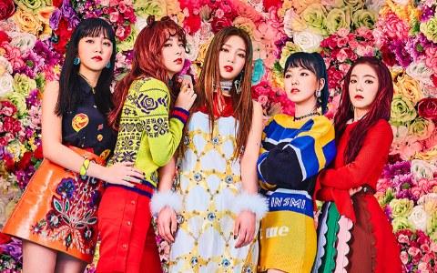 Red Velvet的新歌Rookie評價兩極 MV中的穿的服裝也被吐槽「只能靠Red Velvet的顏質撐起來 」