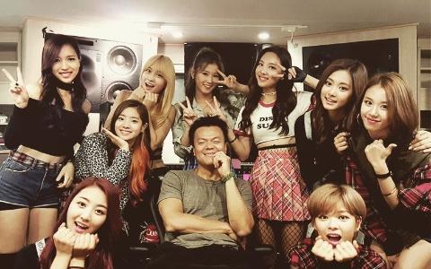 """「他們」被稱為「JYP隱藏的寶石」 粉絲表示:「羨慕TWICE 公司為什麼不宣傳""""他們""""」背後原因讓人感動"""