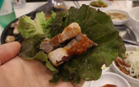 肉食主義者天堂!釜山西面超優質「烤肉吃到飽」 就連小菜也美味到不行