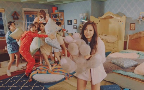 TWICE新歌MV一眼看出「成員間關係」!Sana、子瑜放閃場景 成員表情證明子瑜真的是團霸