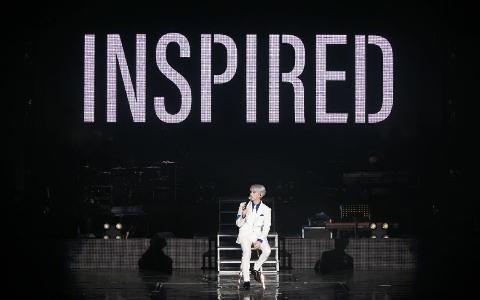 寫給IU的歌是想替人「解憂」《BREATHE》是想帶給人安慰 鐘鉉一生中的所有作品各個是經典