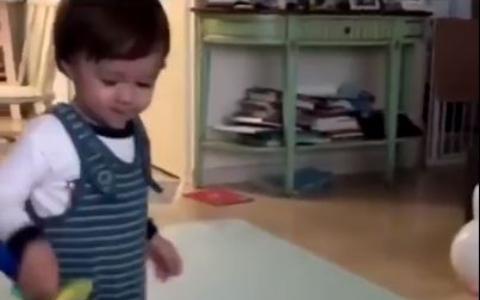 《超人爸爸》當紅小孩被爆「虐狗」!媽媽上傳影片「狠打狗」…形象一夕暴跌