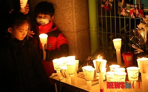 「我自己計劃的」韓國國小生這樣做,只為了得到他們的愛...