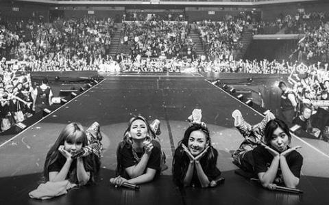 2NE1「最新合體畫面」Black Jack哭成一片!解散快2年了...4人現在過的如何?