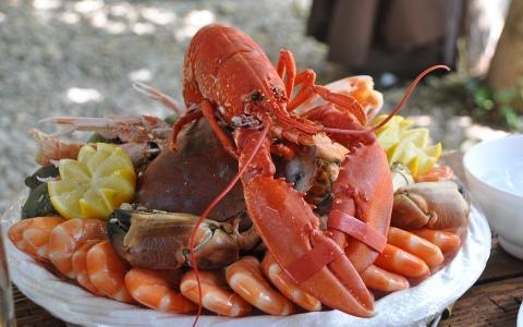 蝦子的地位都比我高?「不吃海鮮就是有病!」快被公婆逼瘋的韓國網友