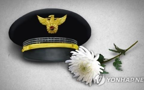 韓國警察處理車禍時,突被後方車輛追撞當場身亡!留下3個不到5歲的孩子...