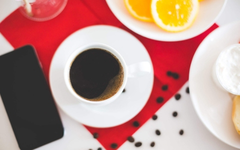 韓國每條街都能看到咖啡廳的蹤影,難道他們也有咖啡中毒?