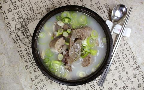 想當釜山媳婦就一定要吃「豬肉湯飯」嗎?戀愛三年竟因為不敢吃湯飯而被解除婚約!