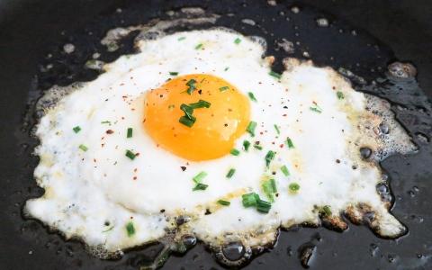 我這樣做錯了嗎?在韓國餐廳因為「一顆煎蛋」就被當成奧客...還被店員嗆!