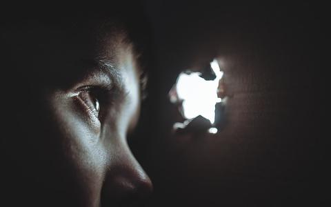 韓國兒童之家被虐案未破!目擊一切的哥哥長達11年被惡夢纏身:「夢裡死去的弟弟總是看著我」