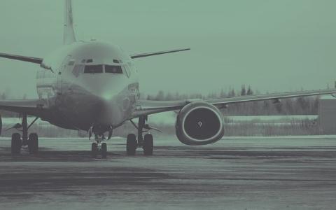 原本要去釜山玩卻被困在機上7小時,航空公司甚至連水都不提供...!?
