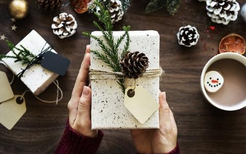 每次快到聖誕節或其他節日時,只有「我」會突然變得悶悶不樂嗎?
