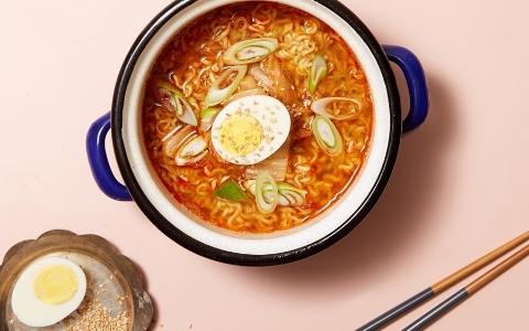 韓國人最近流行追劇宵夜泡麵(二)5步完成咖喱煮麵