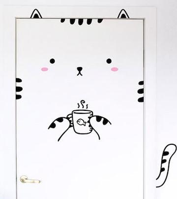 房間一秒童話風?可愛貼紙把你的房門變成動物啦!