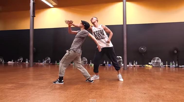 這對在美國LA教舞的夫妻Keone & Mariel Madrid 曾經幫2NE1、2PM編舞~ 他們的舞蹈已經出神入化到與靈魂融為一體! 音樂 : 麥可傑克森 - Dangerous  *影片無法播放時,請點擊至原出處觀看