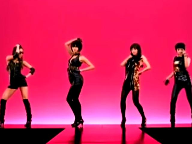 Jewelry - One More Time  (2008.02.20.)  現在大家熟知的徐仁英就是從Jewelry出身,這支的ET舞也很有名!