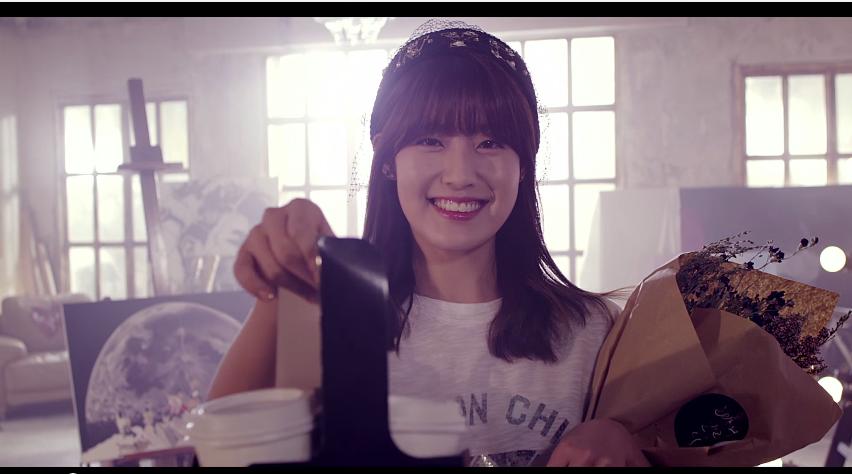 7.Block B 泰欥 - 《Inspiring》  Billboard:《Inspiring》是一首非常棒的抒情歌,能夠展現身為Block B主唱的實力。可惜MV有點喧賓奪主而且拖太長...