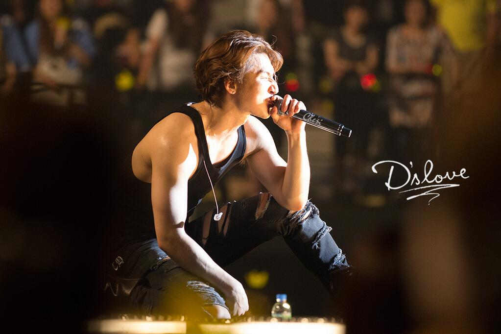 2. Baby Don't Cry (2011.04.08)  聽說覺得辛苦難過的時候聽的話肯定會爆淚的歌曲!!