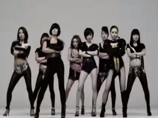 Brown Eyed Girls  - Abracadabra (2009.07.21.)  被稱為「驕傲骨盆舞」,誰都想要在跳舞的時候耍帥一下!所以不只是搖屁股是重點,記得表情一定要跩跩的~