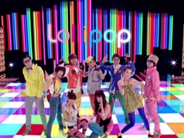 BIGBANG, 2NE1 - Lollipop   (2009.03.27.)  其中唯一一首廣告歌曲,當時正當紅的BIGBANG帶領著師妹2NE1出道,先代言手機廣告而合作推出了這首廣告歌!大街小巷都在放,可以說是歷代成功廣告歌的傳奇之一。