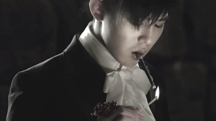 5. G-Dragon - She`s Gone (Feat. Kush) (2010)  記憶時隱時現 你的模樣越來越模糊 這麼放不下心我也受不了 到沒人的地方去吧 只想要兩個人獨處 現在 你哪裡也去不了了