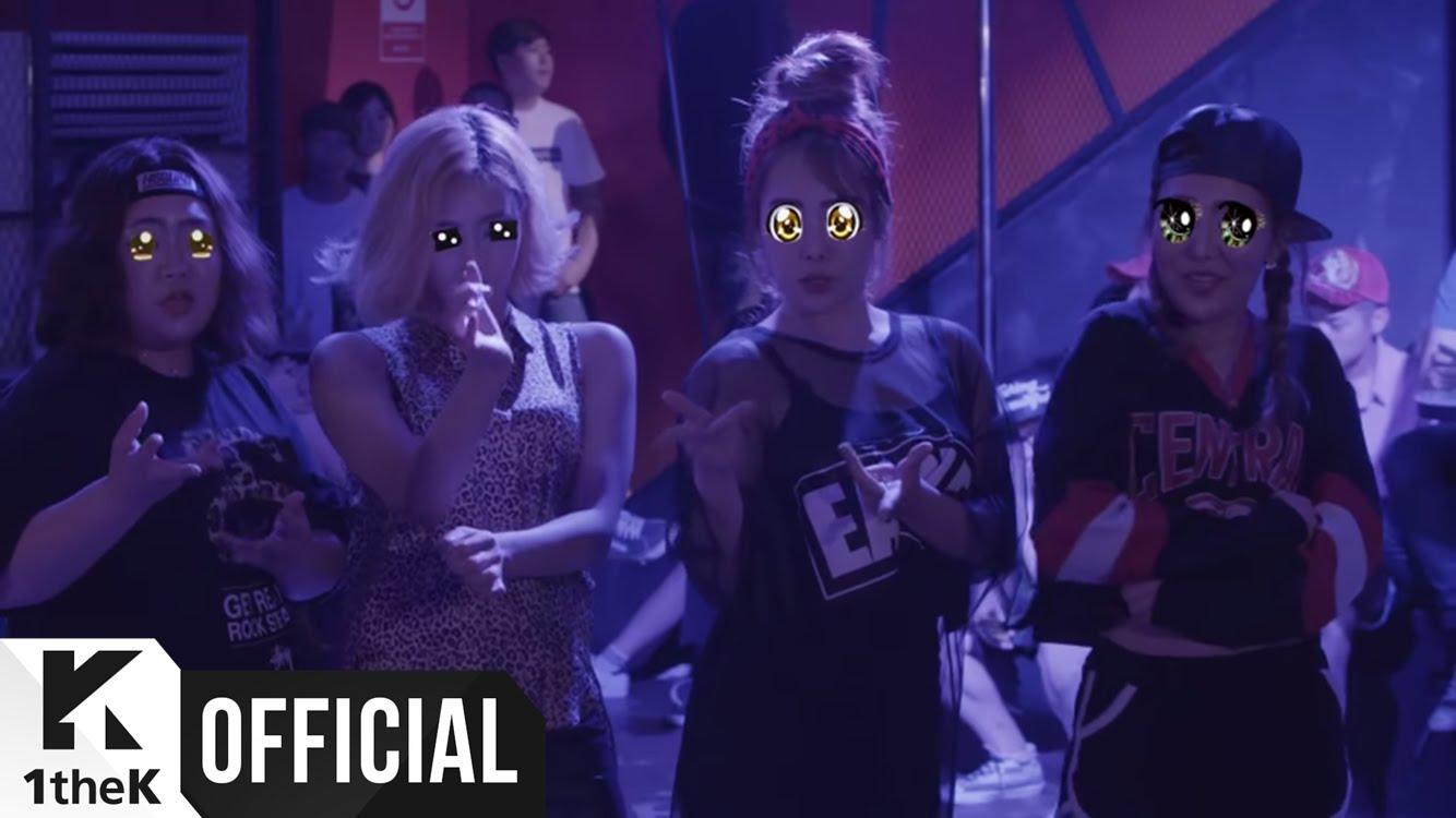 與Primary最新的合作曲〈Just Like U〉,Jessi不僅會饒舌,沙啞的嗓音唱起歌來也是好好聽。