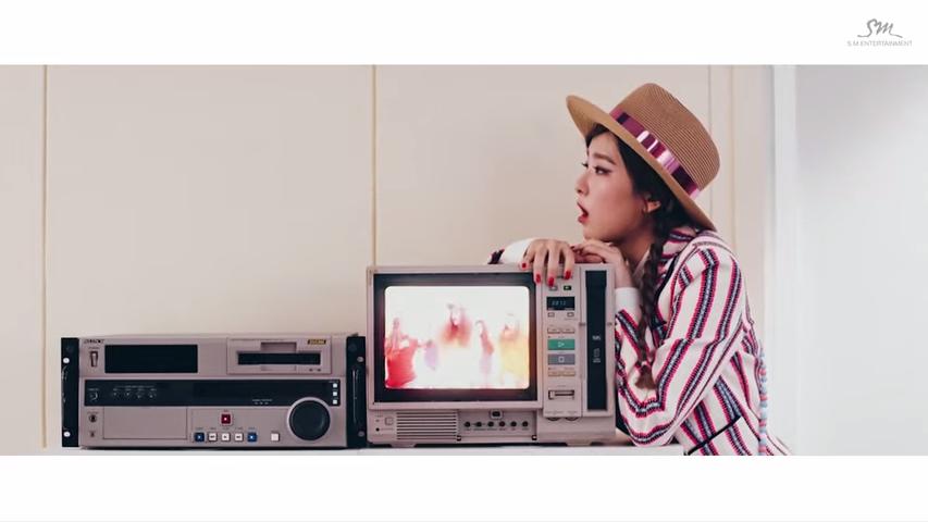 Red Velvet 'Dumb Dumb' MV  *影片無法播放時,請點擊至原出處觀看