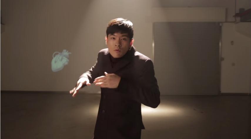 讓我們來看看IU的戀人(?)都是唱怎麼樣的歌? 這是2014年張基河與臉孔們的歌曲《我的人》